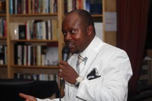 Joseph Mbungu Nsiesi | La foi au centre du mémoire d'un infirmier